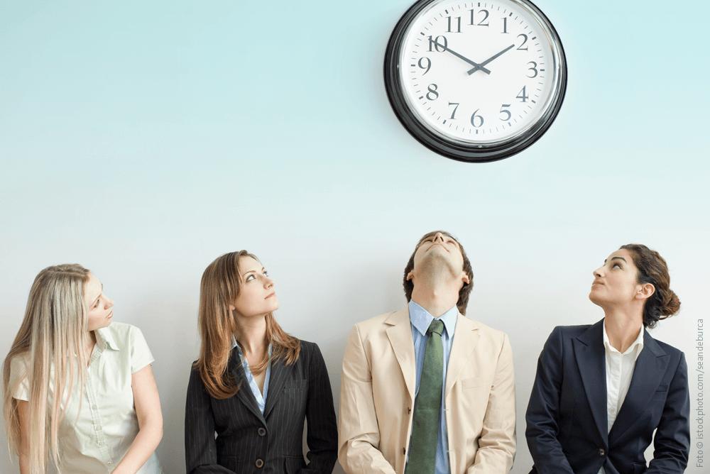 Wenn Kunden warten müssen: Zeitverschwendung killt Kundenzufriedenheit